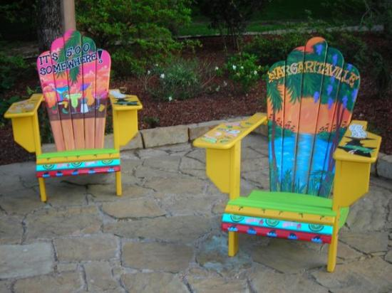 Athens, TX: some awesome chairs..