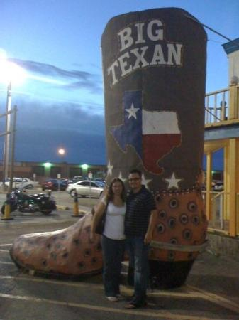 Big Texan Opry: Amarillo Texas on the way back to Cali