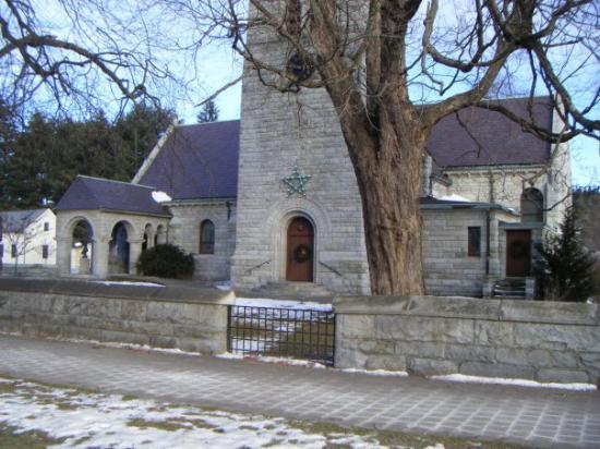 Elm Street Market: Anglican (Episcopalian) Church, Stockbridge, Massachussetts