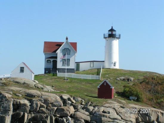 York (ME) United States  City pictures : Cape Neddick Nubble Lighthouse: York, ME, United States