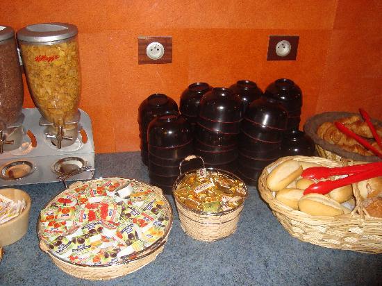 Vintage Hostel Breakfast