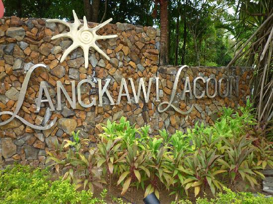 Langkawi Lagoon Beach Resort: Entrance