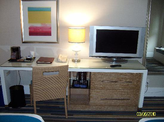 Sheraton Fisherman's Wharf Hotel: flat screen tv