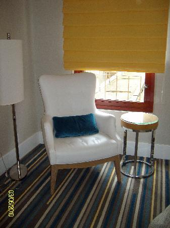 Sheraton Fisherman's Wharf Hotel: retro style decor