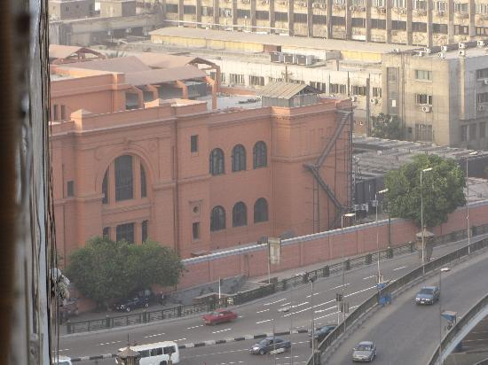 Isis Hotel: Cairo Museum seen from the room window