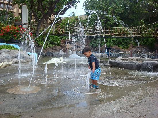 Hyatt Regency Maui Resort and Spa: Children's pool is wonderful!