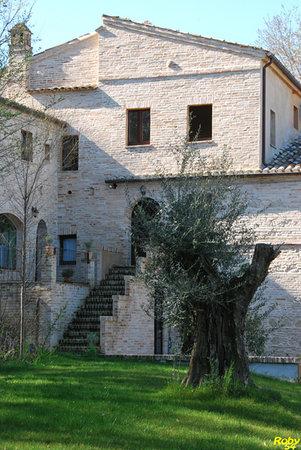 Fermo, Italy: Particolare della casa