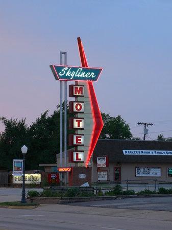 Photo of Skyliner Motel Stroud