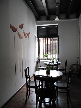 Number Twenty Guest House : dining area