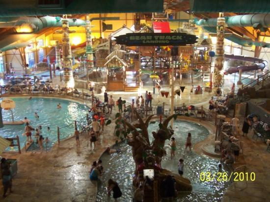 Great Wolf Lodge: The water park this place is huge