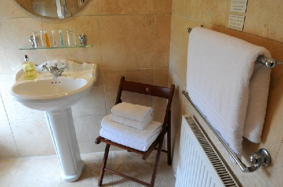 Baytree House: ensuite