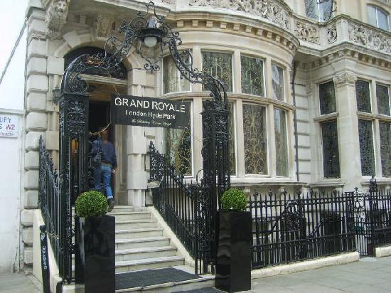 Grand Royale London Hyde Park: Ingresso hotel