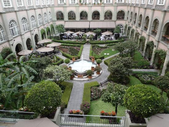 Four Seasons Mexico City: The Courtyard - pictures don't do it justice