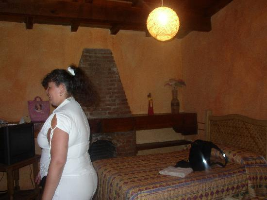 El Marques Hacienda Hotel: Guanajuato Mexico. Hacienda del Marques. Habitaciòn 2 con chimenea