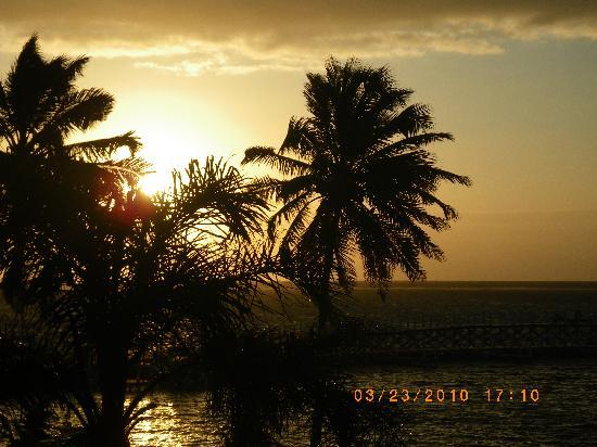 Las Terrazas Resort: sunrise from the balconey