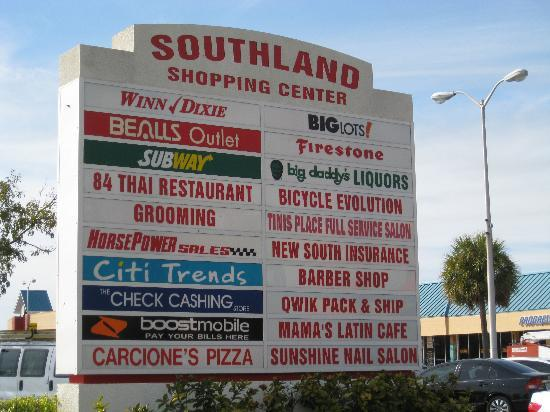 Candlewood Suites Ft. Lauderdale Air/Seaport: Southland Shopping Center - strip mall across street