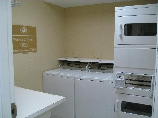 Candlewood Suites Ft. Lauderdale Air/Seaport: complimentary laundry
