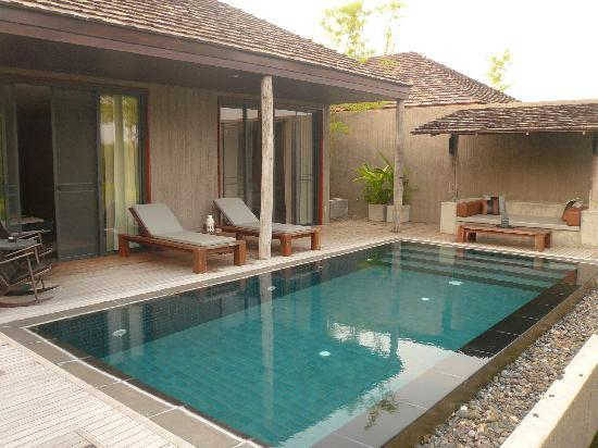 Muthi Maya Forest Pool Villa Resort: Deck