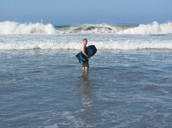 Estrella Del Mar Resort Mazatlan: Boogie Boarding