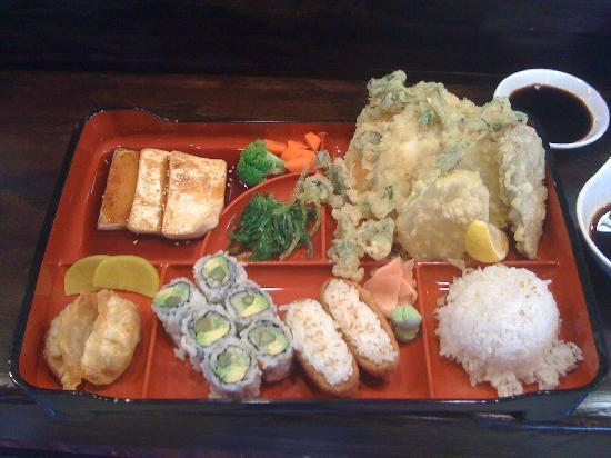 Front Royal, VA: veggie bento box