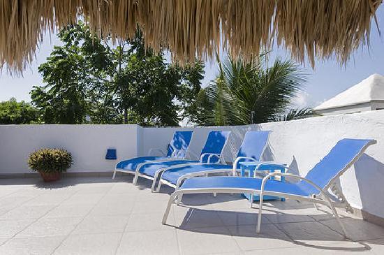 Luna Blue Hotel: Rooftop Sundeck