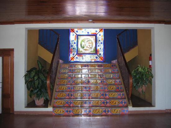 Hotel Lomas Sn. Thomas: Main staircase up from lobby
