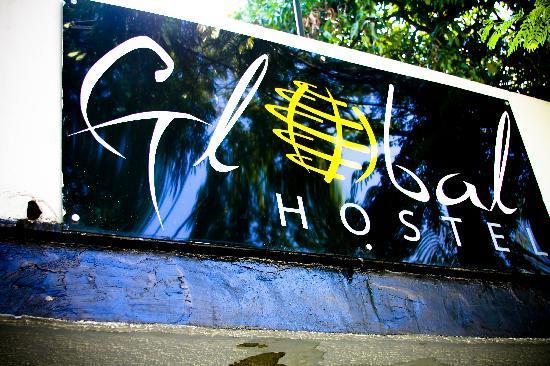 Global Hostel: Sign