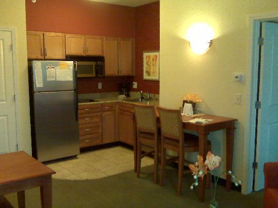 Residence Inn Sandestin at Grand Boulevard: Full Kitchen