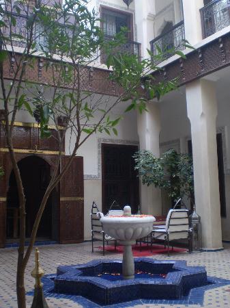 Riad le Clos des Arts : il patio interno
