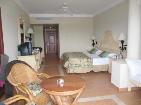 Grand Bahia Principe Bavaro: vue de le chambre