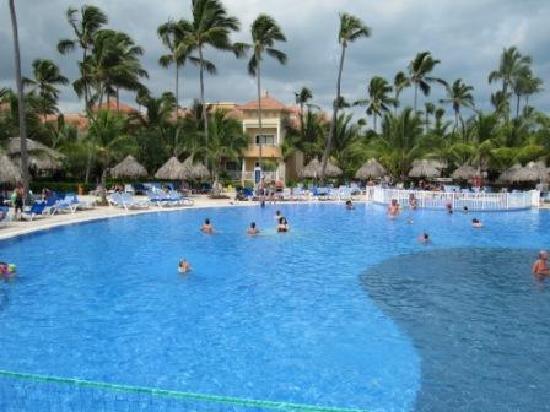 Grand Bahia Principe Bavaro: une partie de la piscine