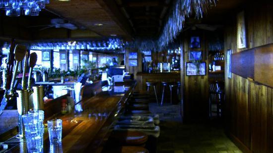 Duke's Waikiki: Beautiful koa wood grained everything