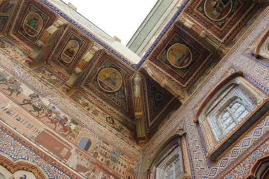 Nawalgarh, Indien: The paintings are everywhere