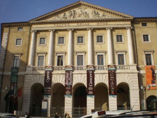 Teatro delle Muse (Ancona)