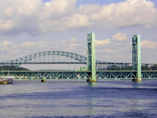 Bridges between Portsmouth NH and Kittery ME