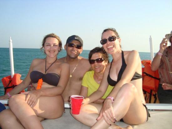 Farallon (Playa Blanca), Panama: En el Barco rumbero alrededor de Costa Blanca, Panama, Marzo 2010 (con los amigos de pereira)
