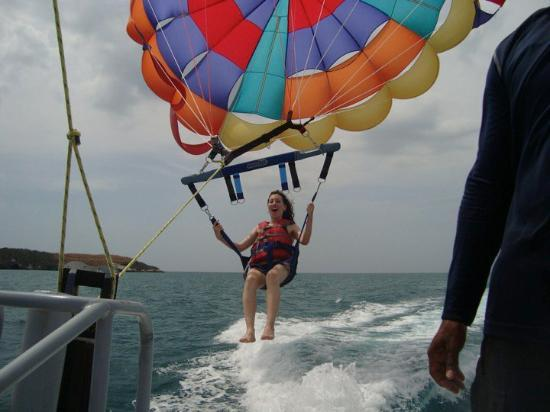 Farallon (Playa Blanca), Panama/Panamá: Montando en el Parasaling en Costa Blanca, Panama Marzo 2010 (despegando)