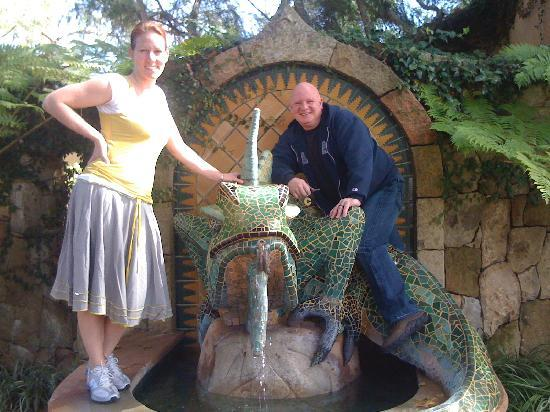 Emerald Iguana Inn: By the fountain 2