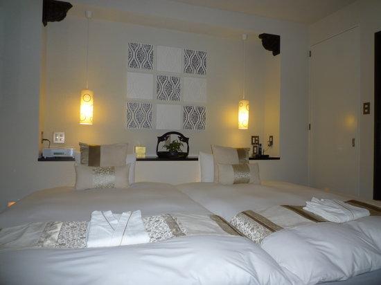 Hotel Mume: hotel room