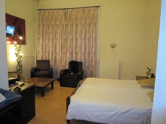 Hotel Rembrandt: Room 2