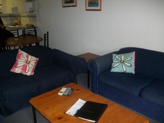 Hawks Nest, Australia: loungeroom