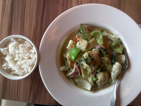 Odine : Green Seafood Curry