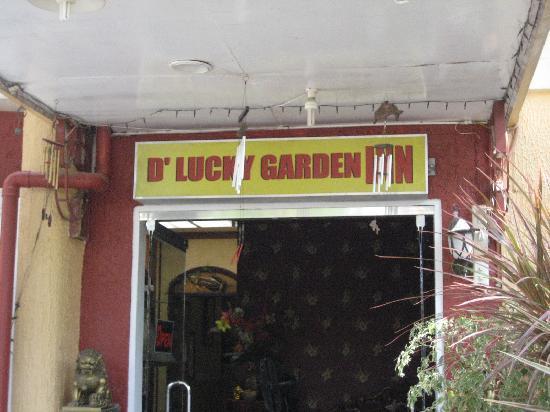 D' Lucky Garden Inn & Apartelles Palawan: The Entrance