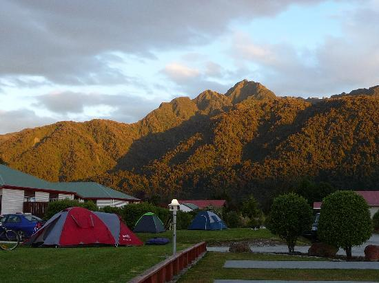 Franz Josef TOP 10 Holiday Park: camp site at holiday park