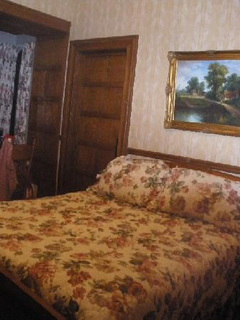 Glen Eyrie Castle & Conference Center: Our room, #206