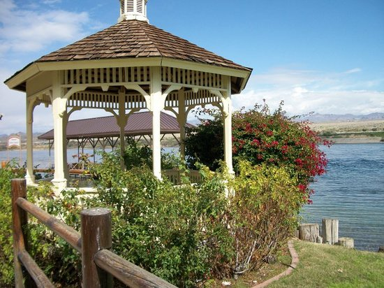 Laughlin, NV: the gazebo in front of Pinoeer