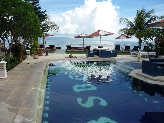 Bali Shangrila Beach Club: Pool