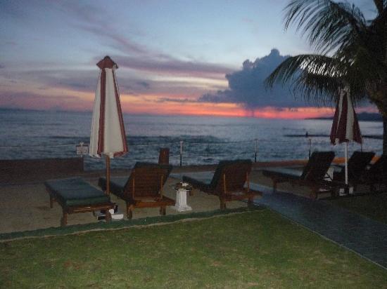Bali Shangrila Beach Club: Sunset