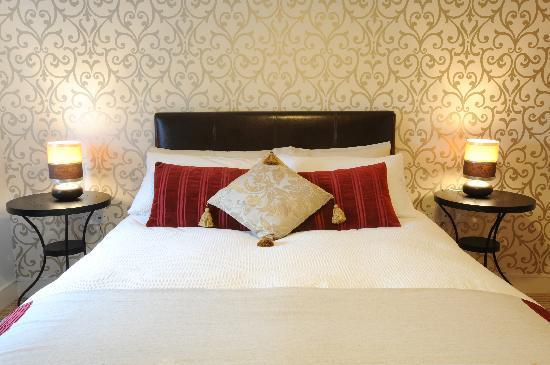 City Hub Apartments : Superior One Bedroom Apartment