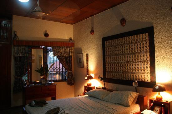 Four Villages Inn: Our Room